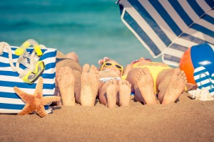 Healthy family holiday tips 1.Travel Vaccines 2. Air Travel 3. Travel Sickness 4. Preventing food and waterborne illnesses 5.Cuts grazes & burns 6.Hydration
